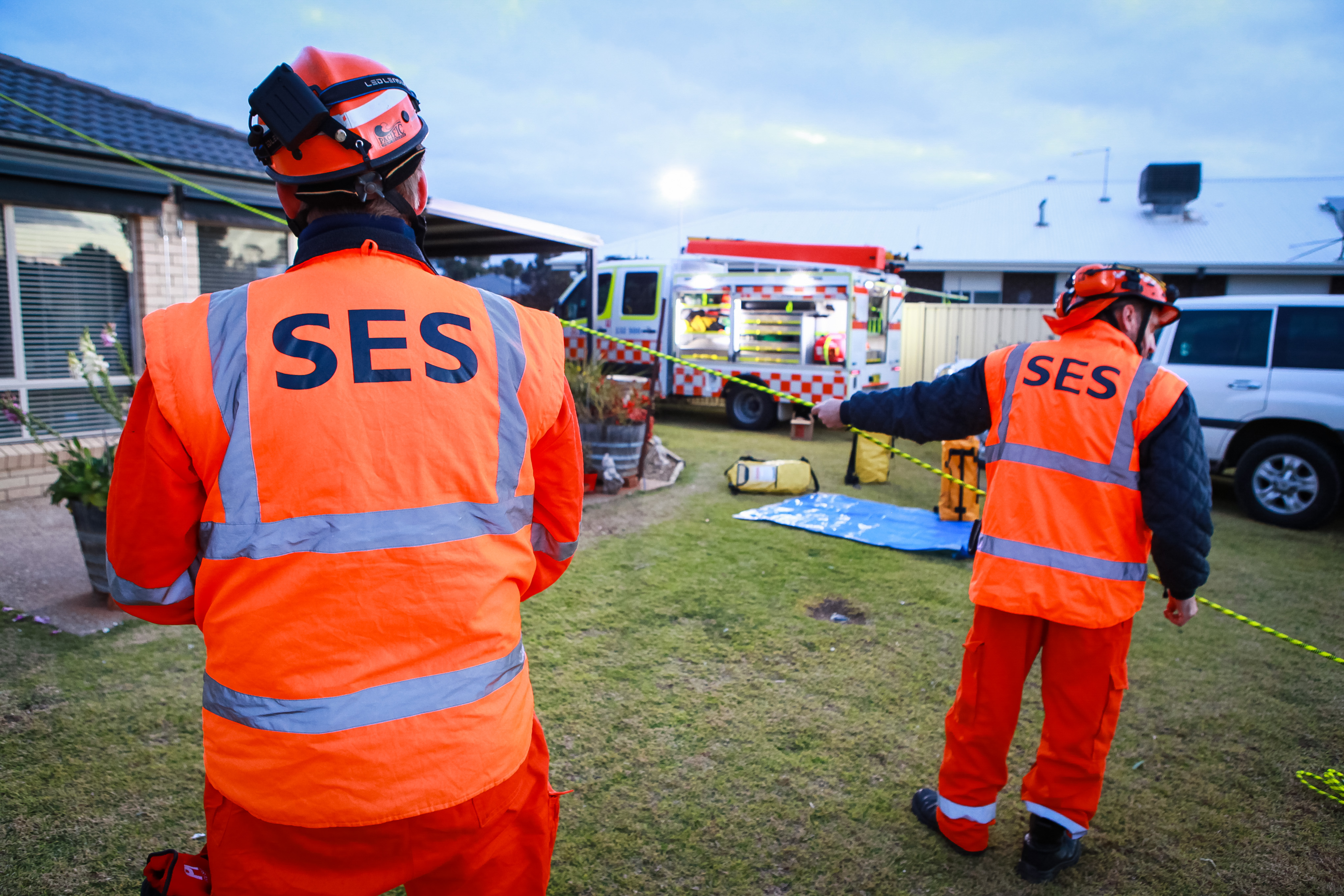 NSW SES Illawarra volunteers awarded for 418 years of service