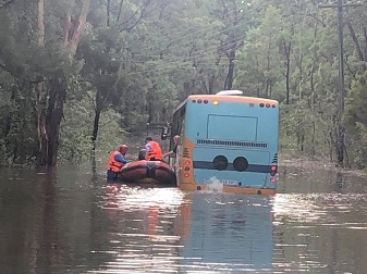 Communities of Hawkesbury-Nepean Valley urged to 'be aware and prepare' for floods