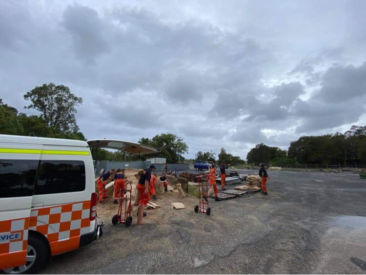 1000 people cut off as the NSW SES gear up for more bad weather
